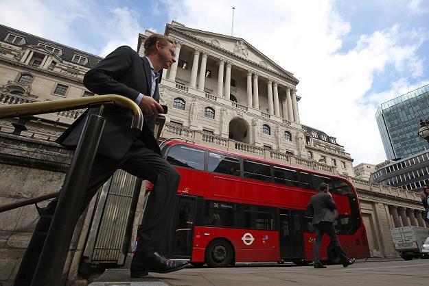 Bank centralny Anglii obniżył stopy procentowe o 25 pkt. bazowych /AFP