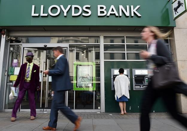 Bank Lloyds zwolni o 3000 pracowników więcej, niż wcześniej planował /EPA