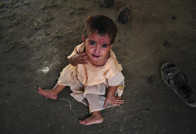 Bank Światowy ostrzega przed głodem i powodziam /AFP
