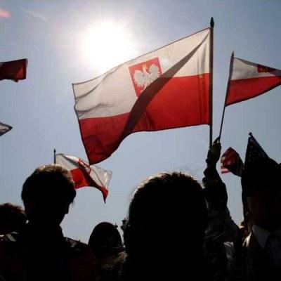 Bank Światowy podwyższył prognozę wzrostu PKB dla Polski w 2010 roku - z 2,2 proc. do 2,5-3 proc. /AFP