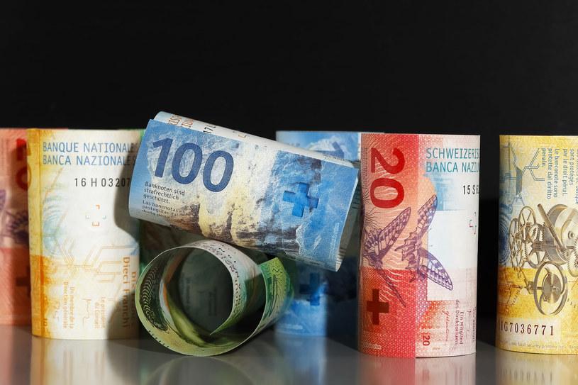 Banki i kredytobiorcy czekają na wyrok Sądu Najwyższego /123RF/PICSEL