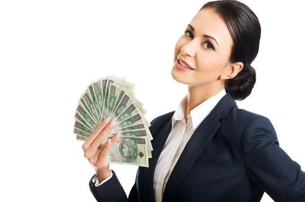 Banki mają mniejsze zyski /©123RF/PICSEL