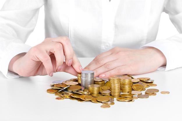 Banki nie zmieniają oprocentowania kredytów poprzez codzienne aktualizowanie stawki WIBOR /©123RF/PICSEL