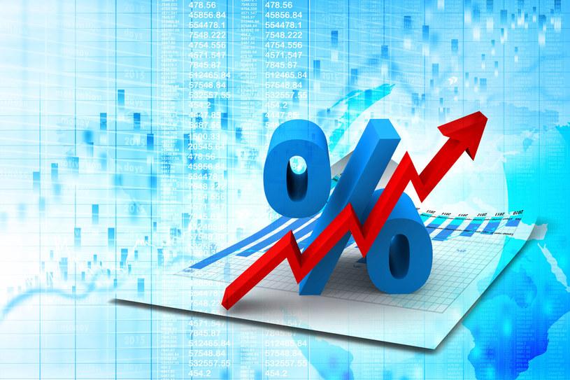 Banki oferują dwa rodzaje oprocentowania kredytu: stałe i zmienne /123RF/PICSEL