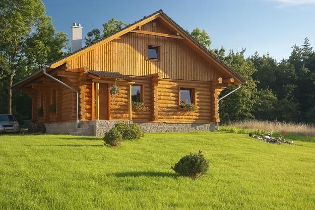 Banki zaskoczone ustawą o obrocie ziemią - odmawiaja udzielania kredytów na budowę domów /©123RF/PICSEL