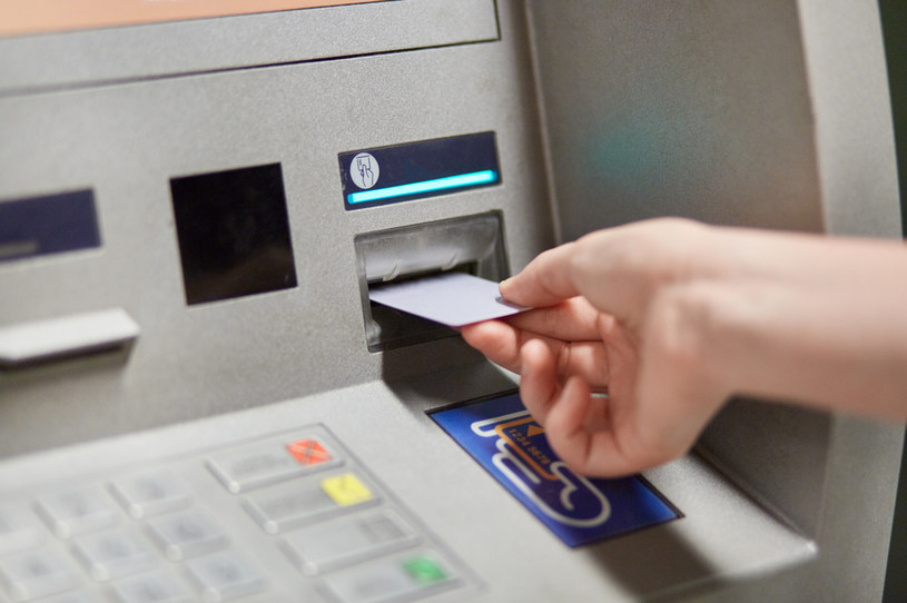 Banknoty o nominale 500 zł trafią do bankomatów /123RF/PICSEL