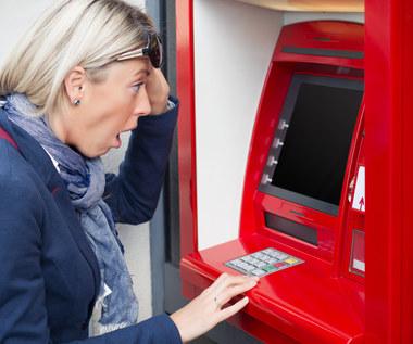 Bankomaty do lamusa. Najmniej wypłat w historii