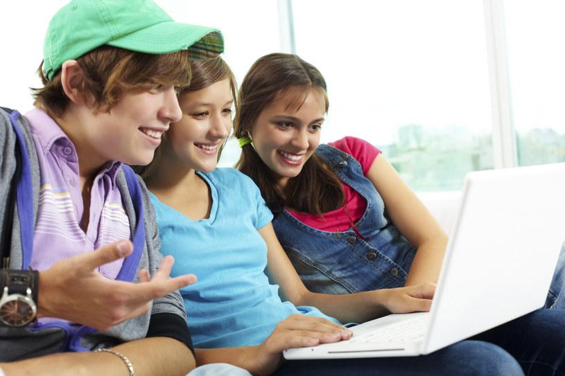 Bankowość dla najmłodszych uczy oszczędzania /© Glowimages