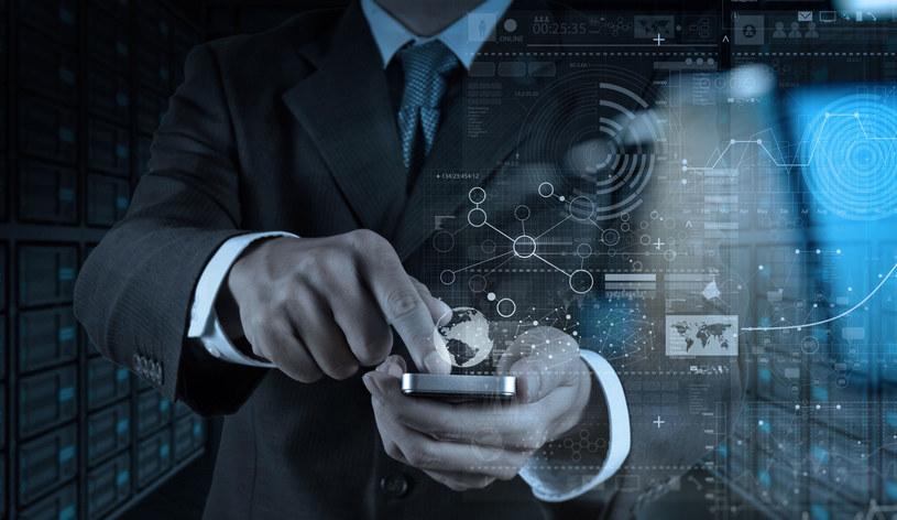 Bankowość internetowa jest bezpieczną formą dokonywania transakcji /123RF/PICSEL