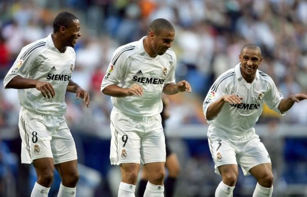 Baptista, Ronaldo i Roberto Carlos mieli powody do radości /AFP