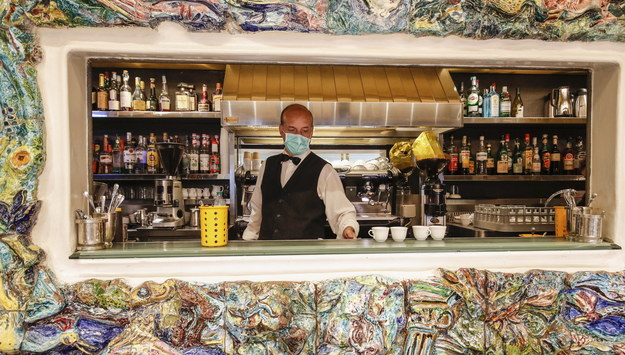Bar w Rzymie /GIUSEPPE LAMI /PAP/EPA