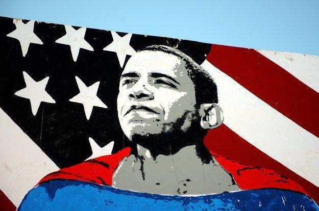 Barack Obama ciągle w dobrym humorze... /AFP