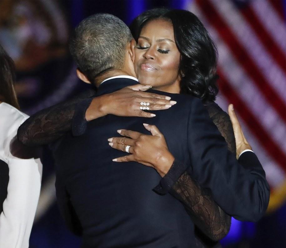 Barack Obama i jego żona Michelle /PAP/EPA/KAMIL KRZACZYNSKI    /PAP/EPA