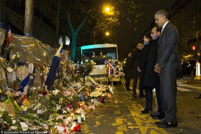 Barack Obama oddaje hołd ofiarom paryskich zamachów /  /East News