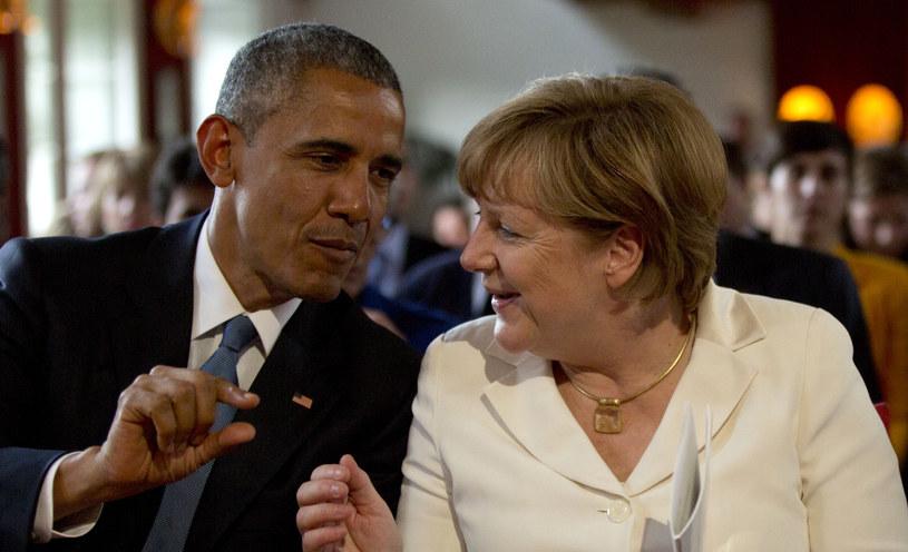 Barack Obama rozmawiał telefonicznie z Angelą Merkel /AFP
