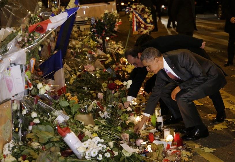 Barack Obama złożył hołd pamięci ofiar zamachów w Paryżu /PHILIPPE WOJAZER /PAP/EPA