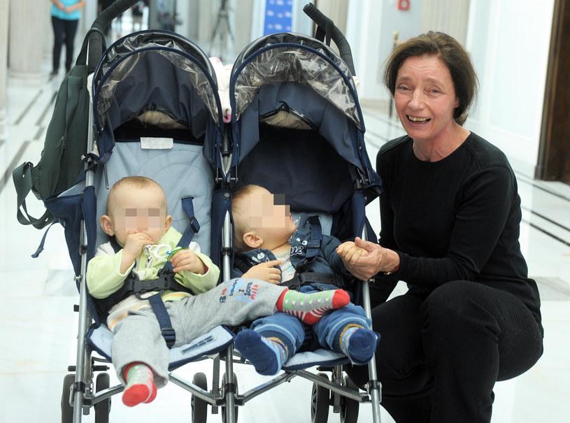 Barbabra Sienkiewicz z dziećmi /Bielecki  /East News