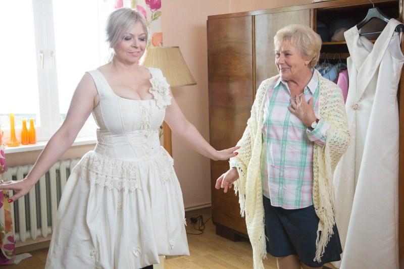 Barbara będzie zachwycona widząc Kwaśniakową w sukni ślubnej. /Agencja W. Impact