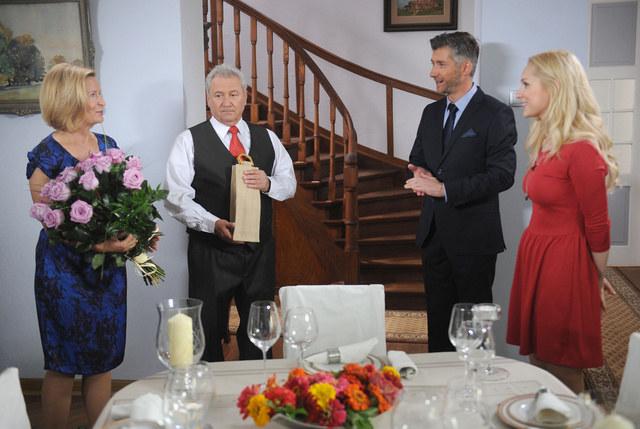 Barbara Bursztynowicz (Elżbieta), Andrzej Grabarczyk (Jerzy), Łukasz Mazurek (Gerard Poleski), Martyna Kowalik (Kamila) /Agencja W. Impact