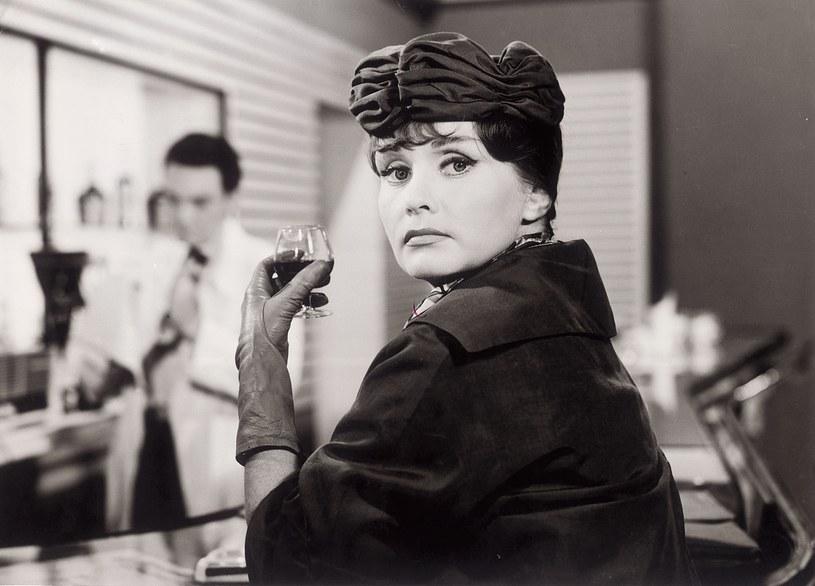 """Barbara Krafftówna w filmie Wojciecha Jerzego Hasa """"Jak być kochaną"""" (1962) /Bauer /AKPA"""