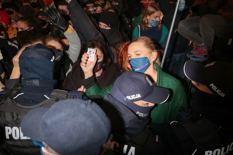 Barbara Nowacka podczas Strajku Kobiet /Rafal Gaglewski /Reporter