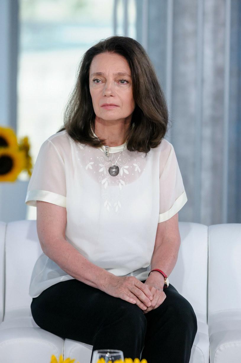 """Barbara Sienkiewicz na kanapie """"DDTVN"""" w 2015 roku. /EastNews /East News"""