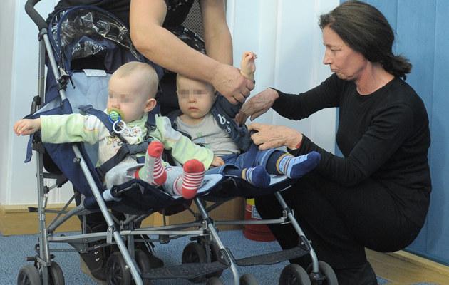 Barbara Sienkiewicz z dziećmi /- /East News