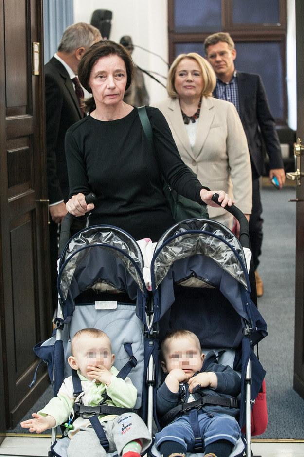 Barbara Sienkiewicz ze swoimi dziećmi /Simona Supiro /Agencja FORUM