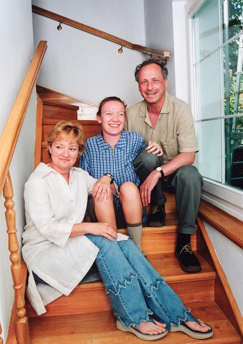 Barbara Winiarska z córką Anią i Pawłem Wawrzeckim /Marek Szymański /Agencja FORUM