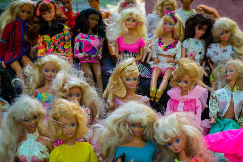 Barbie jest uważana za ikonę, ponieważ występuje w kilkudziesięciu krajach, przechodzi z pokolenia na pokolenie, więc jest doświadczeniem przynajmniej miliarda osób /123RF/PICSEL