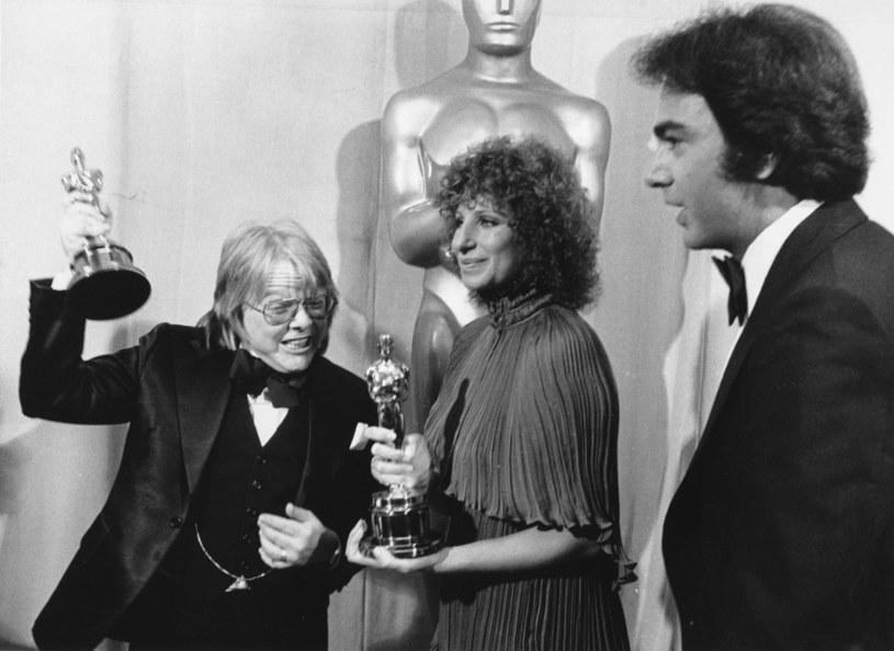 Barbra Streisand w 1977 roku podczas ceremonii rozdania Oscarów /Associated Press /East News
