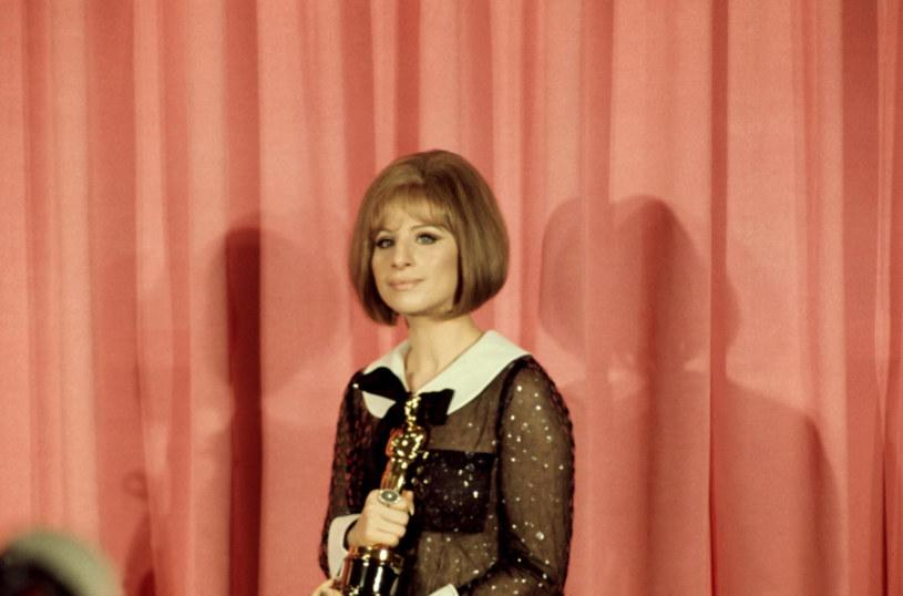 Barbra Streisand z Oscarem w 1969 roku /East News