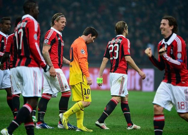 Barcelona niespodziewanie przegrała na San Siro z Milanem /AFP