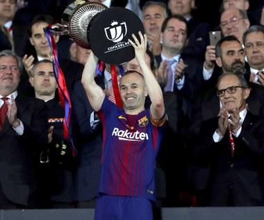 Barcelona z Pucharem KrĂłla. PoĹźegnanie legendy klubu