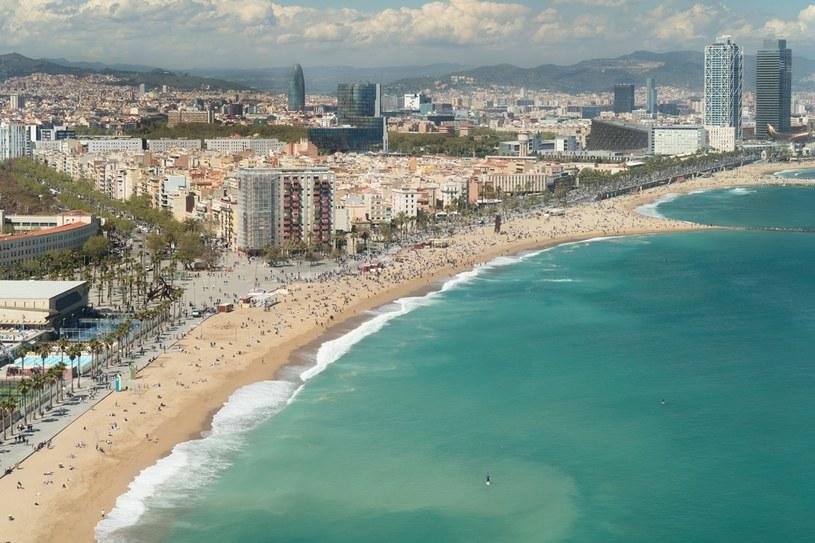 Barceloneta jest największą  i najstarszą plażą /123RF/PICSEL