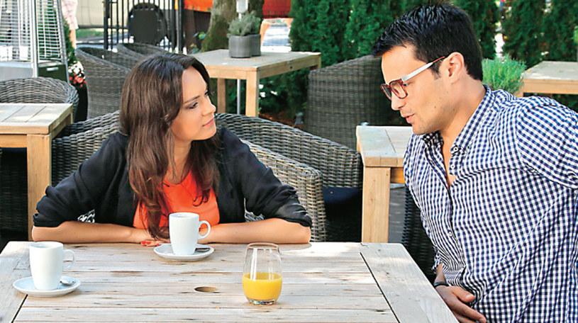 Bardziej niż współpracą z nowymi wspólnikami, Jakubczyk interesuje się spotkaniami sam na sam z Natalią. /Świat Seriali