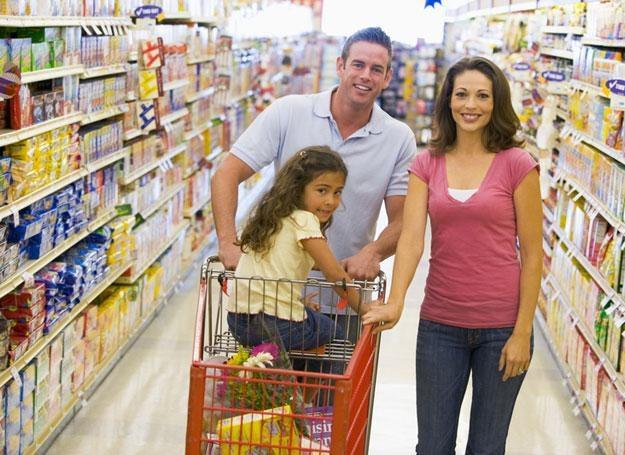 Bardziej świadomie róbmy zakupy w supermarkecie czy spożywczym /© Panthermedia