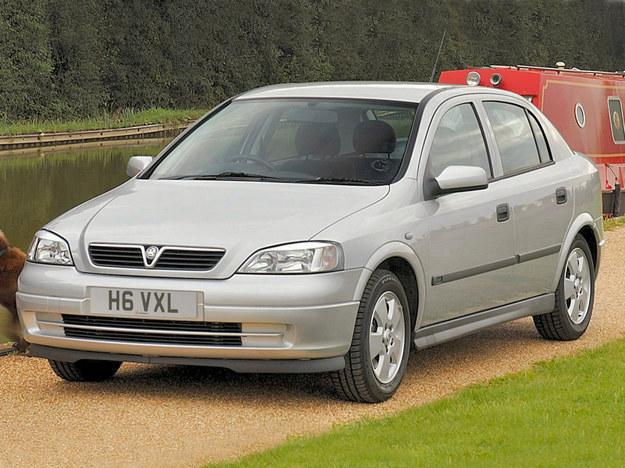 Bardzo często zdarza się w przypadku Opli. Egzemplarze po stłuczkach lub wypadkach mają maski z bliźniaczych modeli Vauxhall. /Vauxhall