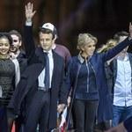 """""""Bardzo serdeczna"""" rozmowa Macrona i Merkel. Niemiecka prasa: Katastrofa zażegnana"""