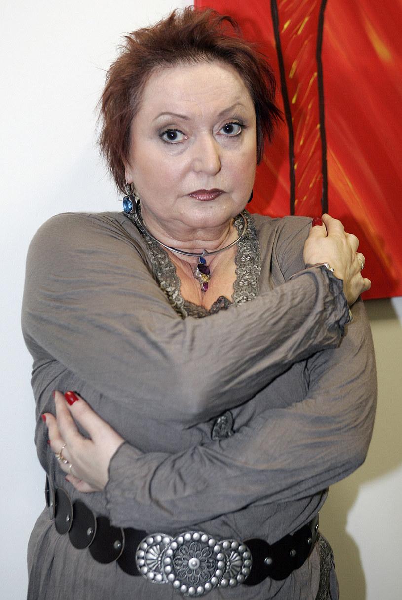 Bardzo się martwię, gdzie przybiją tablicę, że w tym domu urodziła się i mieszkała Krystyna Tkacz - śmieje się aktorka /AKPA