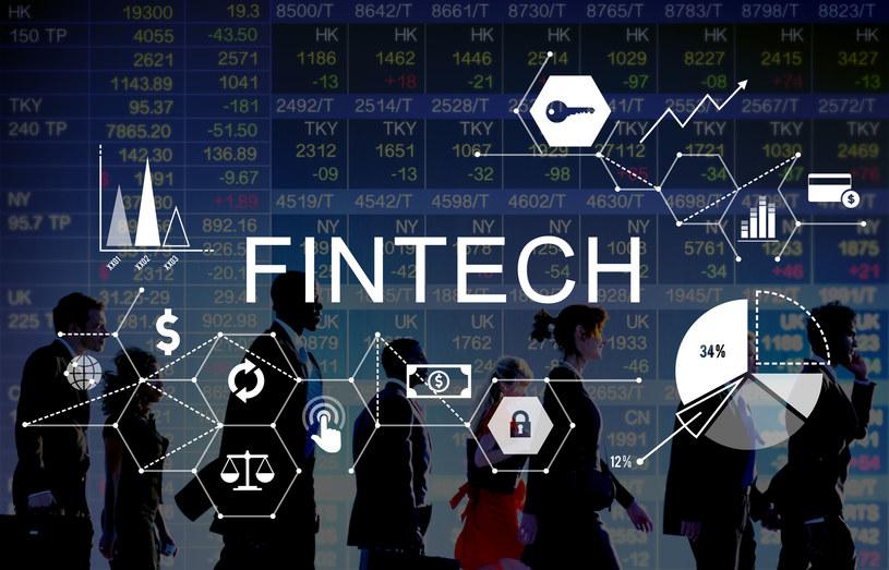 Barierą rozwoju rynku FinTech jest finansowanie /123RF/PICSEL