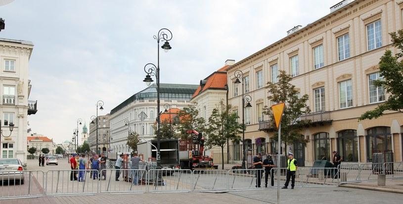 Barierki na Krakowskim Przedmieściu /Robert Ostrowski /East News
