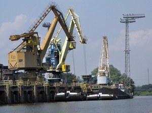 Barki nie mogą normalnie kursować po Odrze ze względu na jej zamulenie  /Wojtek Wilczyński /RMF FM