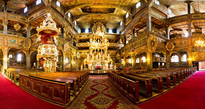 Barokowe wnętrze kościoła w Świdnicy robi wrażenie na zwiedzających /123RF/PICSEL