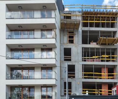 Barometr rynku nieruchomości. Gorsza dostępność mieszkań, większa część wynagrodzenia na raty