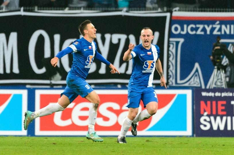 Barry Douglas (z lewej) cieszy się ze zdobycia gola w meczu z Jagiellonią /Fot. Jakub Kaczmarczyk /PAP