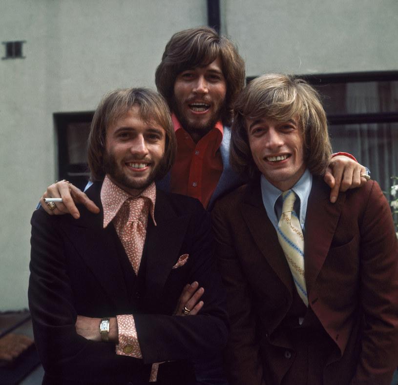 Barry Gibb (w środku) z braćmi Mauricem i Robinem /Sydney O'Meara;  /Getty Images