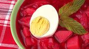 Barszcz zabielany z ziemniakami i jajkiem