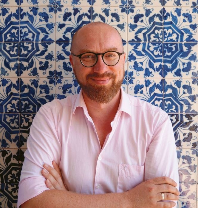 """Bartek Kieżun jest dziennikarzem i blogerem kulinarnym oraz autorem książki """"Portugalia do zjedzenia"""" /materiały prasowe"""