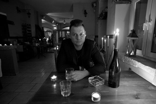 """Bartek Wrona na planie teledysku """"Jesteś wolna"""" /materiały promocyjne"""